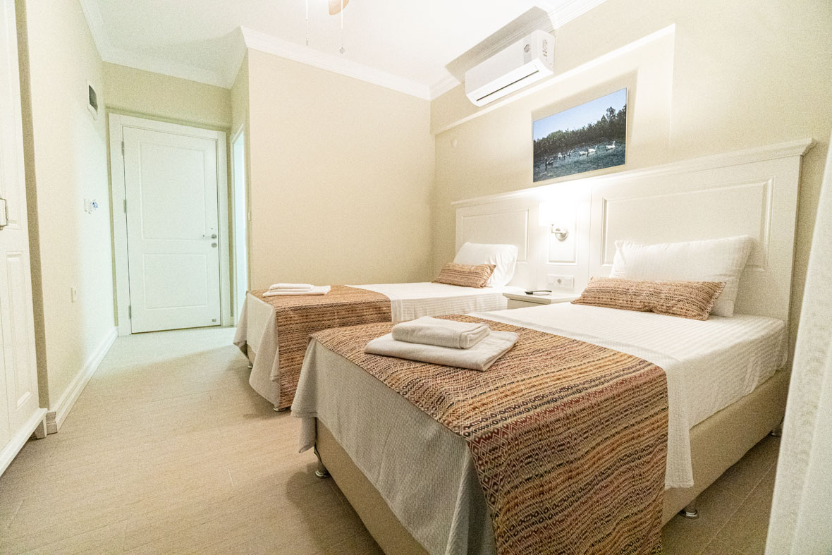 Akyaka Yeşil Otel Muğla | Çift Kişilik Ayrı Yataklı
